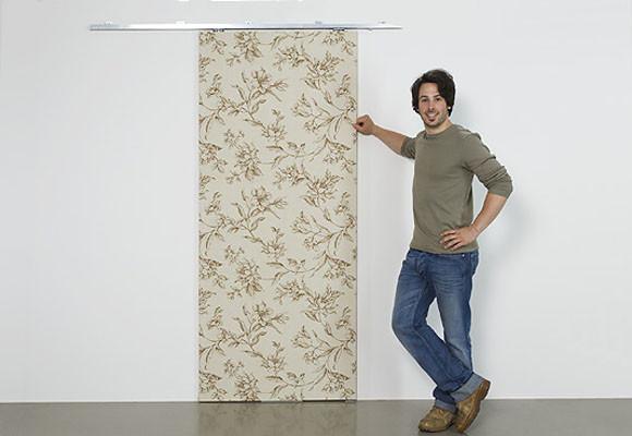 Una puerta corredera para el ropero decoraci n dise o for Fabricar puerta corredera