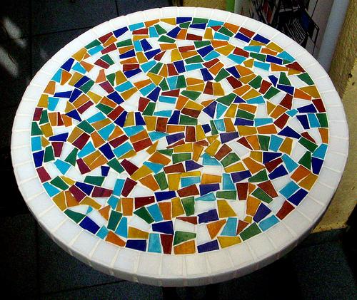 Bricolaje: Una mesa de mosaico paso a paso   Decoración Diseño ...