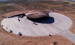 Aeródromo galáctico (1) Situado en El Camino Real, en Nuevo México (EEUU), este aeropuerto construido por Norman Foster, uno de sus más brillantes proyectos, fue construido por Virgin Galactic para sus vehículos de turismo espacial WhiteKnightTwo y SpaceShipTwo.