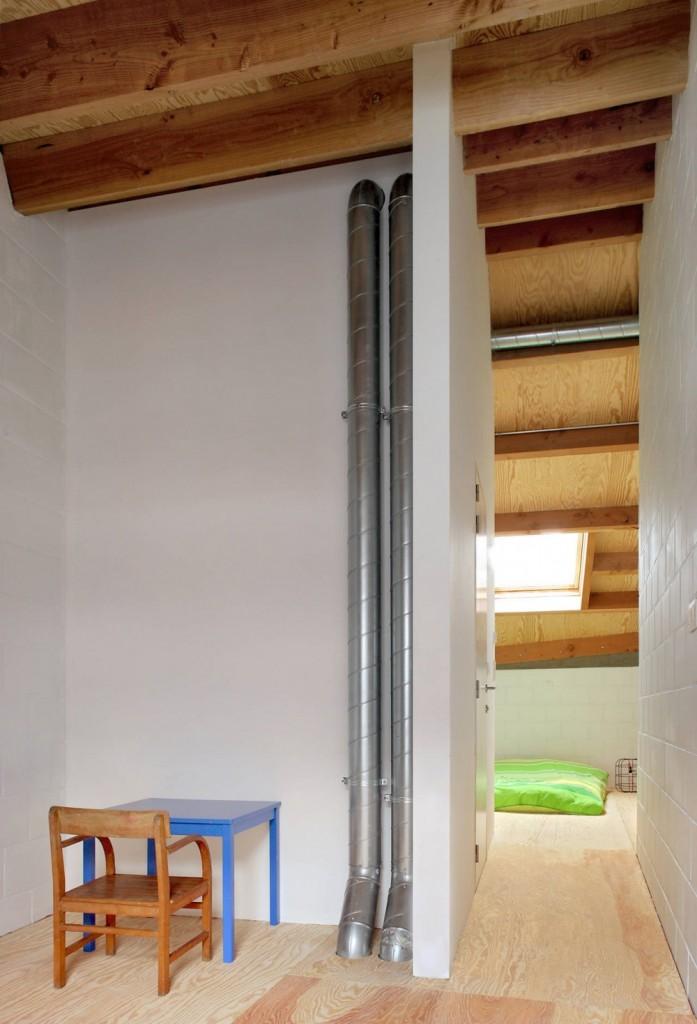 Gelukstraat-by-Dierendonck-Blancke-Architecten-11-697x1024