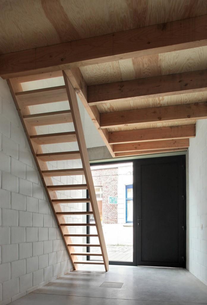 Gelukstraat-by-Dierendonck-Blancke-Architecten-9-697x1024