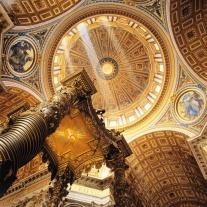 La cúpula de la Basílica de San Pedro, Roma (Italia)