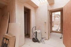 Convierten baños públicos en lujosa casa
