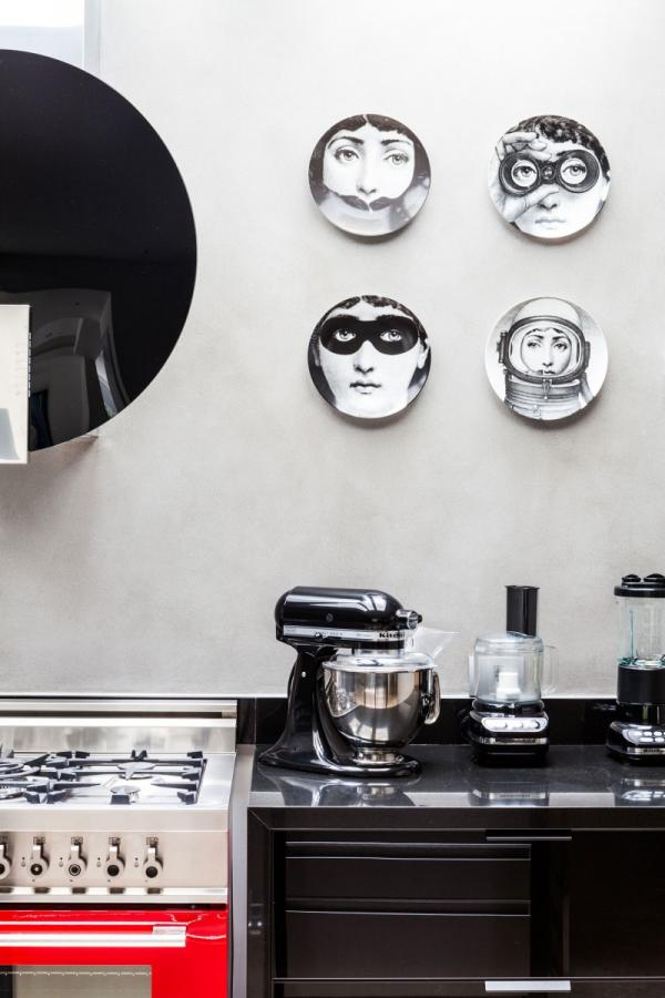 Ubicado en São Paulo, Brasil., NS House es una residencia privada con estilo artístico diseñado por Galeazzo Diseño.