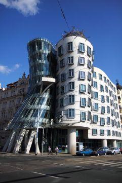 45. Dancing House (Praga,R república Checa
