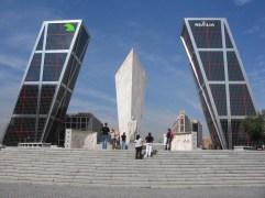 87. Puerta de Europa (Madrid, España)