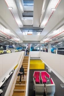ASB North Wharf Siendo uno de los bancos más importantes de Nueva Zelanda, era de esperarse que tuviera unas oficinas como éstas: