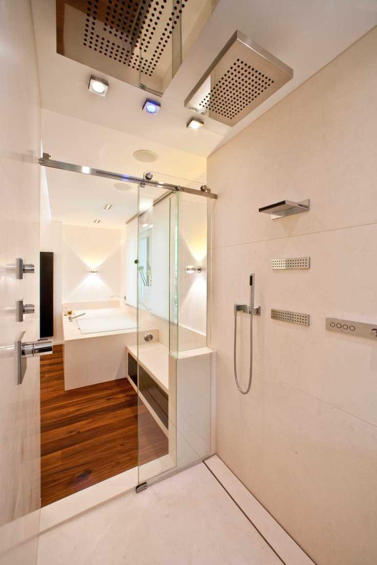 En la ducha se pueden establecer temperaturas, regular la luz o incluso crear listas de reproducción de música.
